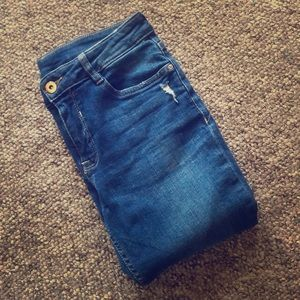 H&M Divided size 4 distressed skinny jeans